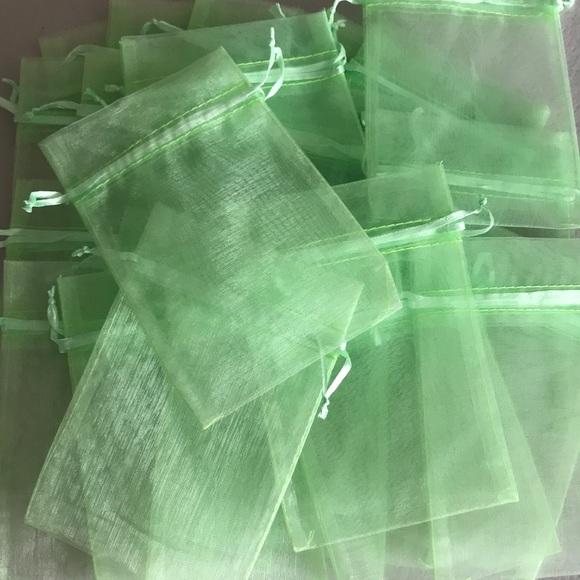 LOT OF 25 GREEN DRAWSTRING BAGS